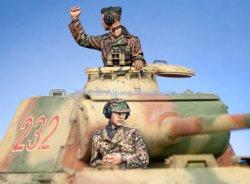 画像2: Alpine Miniatures[AM35141]武装親衛隊戦車コマンダー セット (2体)