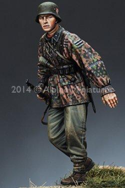 画像3: Alpine Miniatures[AM35166]1/35武装親衛隊歩兵 M42迷彩スモック #1