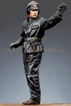画像2: Alpine Miniatures[AM35172]1/35 武装親衛隊装甲部隊指揮官(革ジャケット着用)#1