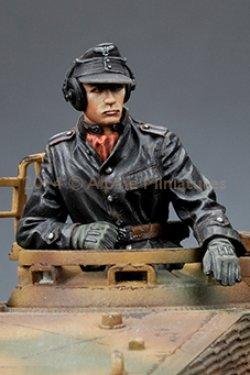 画像3: Alpine Miniatures[AM35174]1/35 武装親衛隊装甲部隊指揮官(革ジャケット着用)2体セット