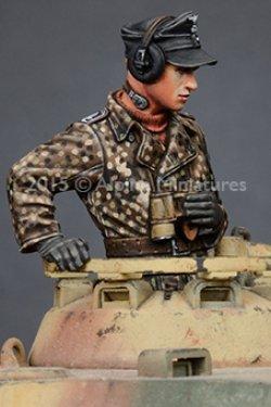 画像3: Alpine Miniatures[AM35189]武装親衛隊戦車指揮官(迷彩服)2体セット