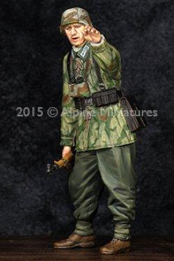 画像2: Alpine Miniatures[AM35194]WWII独 擲弾兵下士官(スプリンター迷彩スモック)