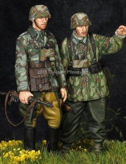 画像3: Alpine Miniatures[AM35195]WWII独 擲弾兵(スプリンター迷彩服)(2体セット)