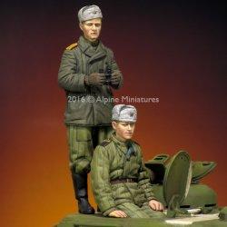 画像1: Alpine Miniatures[AM35216]1/35 WWII露 戦車兵(防寒コート/テログレイカ)(2体セット)