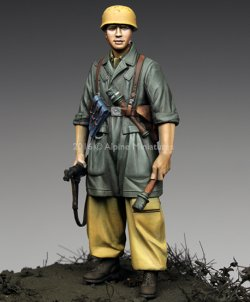 画像1: Alpine Miniatures[AM35221]1/35 WWII独 イタリア戦線の第1降下猟兵師団 下士官(熱帯軍装)