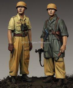画像1: Alpine Miniatures[AM35222]1/35 WWII独 イタリア戦線の第1降下猟兵師団 (2体セット)(熱帯軍装)