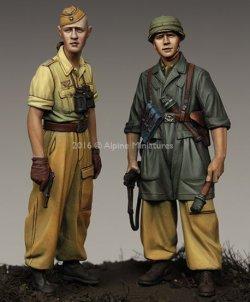 画像2: Alpine Miniatures[AM35222]1/35 WWII独 イタリア戦線の第1降下猟兵師団 (2体セット)(熱帯軍装)