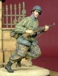 D-Day miniature studio[DD35051] 1/35 WWII独 走る武装親衛隊擲弾兵(ソ連軍防寒ジャケット着用)