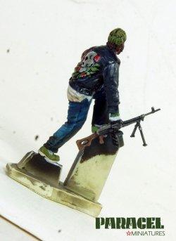 画像4: Paracel Miniatures[MW3522]1/35 現用 市街戦の戦士 3(逃げる男)