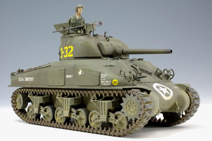 アスカモデル[35-022] 1/35 M4A1シャーマン後期型(ヘッジロウカッター付き)