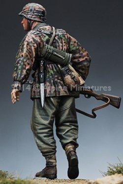画像4: Alpine Miniatures[AM35166]1/35武装親衛隊歩兵 M42迷彩スモック #1