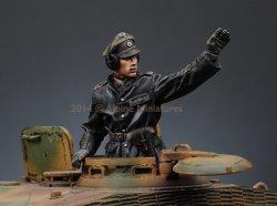 画像4: Alpine Miniatures[AM35172]1/35 武装親衛隊装甲部隊指揮官(革ジャケット着用)#1