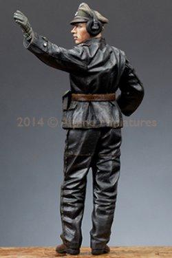 画像3: Alpine Miniatures[AM35172]1/35 武装親衛隊装甲部隊指揮官(革ジャケット着用)#1