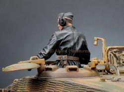 画像5: Alpine Miniatures[AM35173]1/35 武装親衛隊装甲部隊指揮官(革ジャケット着用)#2
