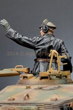 画像4: Alpine Miniatures[AM35174]1/35 武装親衛隊装甲部隊指揮官(革ジャケット着用)2体セット