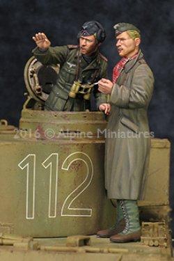 画像3: Alpine Miniatures[AM35210]1/35 WWII独 アフリカ軍団 装甲部隊指揮官セット(2体セット)