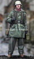 Alpine Miniatures[AM35257]1/35 WWII 独 武装親衛隊弾 薬箱を持つ兵士 ハリコフ