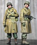 Alpine Miniatures[AM35261]1/35 WWII 米 アメリカ陸軍歩兵 冬支度を整えた兵士(2体セット)