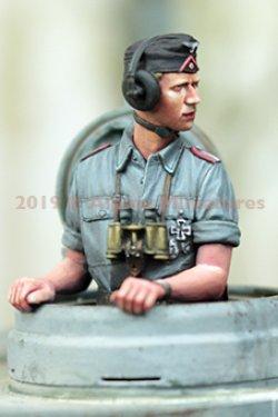 画像2: Alpine Miniatures[AM35263]1/35 WWII 独 ドイツ陸軍 上着を脱いだ夏場の戦車兵#1