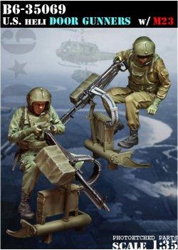 画像1: Bravo6[B6-35069]1/35 米 ヘリ ドアガンナー & M60機関銃(M23)セット(ベトナム)(2体セット)