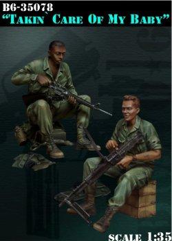 画像1: Bravo6[B6-35078]1/35 米兵 武器整備中(ベトナム戦争)(2体セット)