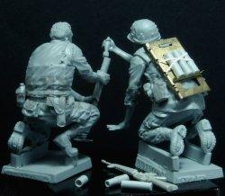画像3: Bravo6[B6-35094]1/35 米海兵隊 M19迫撃砲チーム(2体セット)