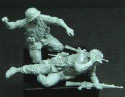 画像2: Bravo6[B6-35300]1/35 米 歩兵ベトナム(11)手榴弾投擲(2体セット)
