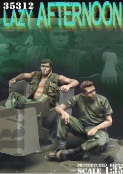 画像1: Bravo6[B6-35312]1/35 ベトナム戦争 米陸軍「気だるい午後」US米戦車兵休息セット(2)