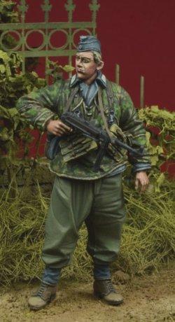画像1: 【特価品】D-Day miniature studio[DD35083]1/35 WWII独 ヘルマンゲーリング師団 兵士