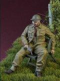 D-Day miniature studio[DD35132]1/35 WWII イギリス陸軍負傷しイスに腰掛ける兵士 (1940-45年装備)