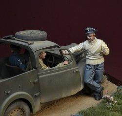 画像5: D-Day miniature studio[DD35142]1/35 WWII 英 バトルオブブリテン1940年(1)「戦争中の火遊び」3体セット