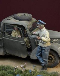 画像3: D-Day miniature studio[DD35142]1/35 WWII 英 バトルオブブリテン1940年(1)「戦争中の火遊び」3体セット