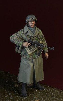 画像1: D-Day miniature studio[DD35160]1/35 WWII 独 武装SS MP40を装備したSS擲弾兵 アルデンヌ1944