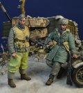 D-Day miniature studio[DD35183]1/35 WWII ドイツ武装親衛隊 冬季装備擲弾兵セット(2体入) ハンガリー1945冬