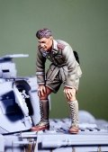 DEF.MODEL[DO35020]1/35WWII DAK Panzer crew inspecting