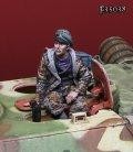 Darius Miniatures[DMF35038]1/35 WWII 独 武装SS士官#1ハッチに座る戦車長