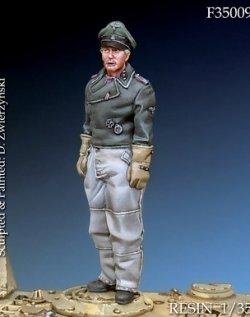 画像1: Darius Miniatures[DMF35009]1/35 WWII独 武装親衛隊戦車指揮官
