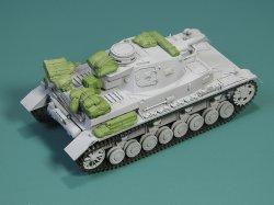 画像1: EUREKA XXL[E-033]1/35 WWII 独 IV号戦車用積荷セット