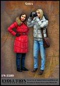 エボリューション[EM-35110]1/35 現用 写メする二人組みの女子