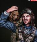 ライフミニチュア[LM-B009] 1/10 犬と戯れる英空軍パイロット バトルオブブリテン1940年