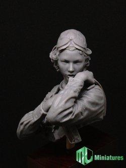画像2: MJ Miniatures[MJ10-008]1/10 WWII 露/ソ 赤色空軍 女性パイロット「夜の魔女」胸像