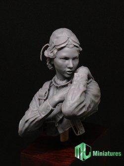 画像1: MJ Miniatures[MJ10-008]1/10 WWII 露/ソ 赤色空軍 女性パイロット「夜の魔女」胸像
