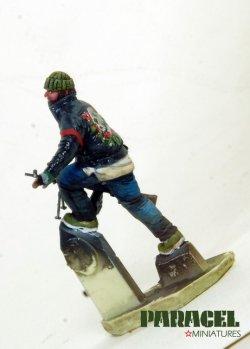 画像2: Paracel Miniatures[MW3522]1/35 現用 市街戦の戦士 3(逃げる男)