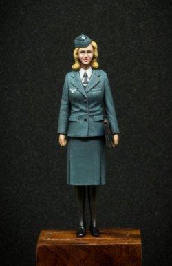画像2: Passion Models[P35F012]1/35 WW2ドイツ空軍女性通信補助員