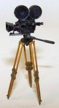 PlusModel[EL063]1/35映画用カメラ