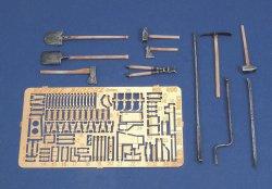 画像1: RoyalModel[RM498]1/35 独 Sd.Kfz 250/251車載工具&工具ホルダーセット