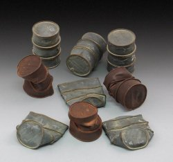 画像1: RoyalModel[RM618]1/35 独 WWIIドイツ軍 潰れたドラム缶