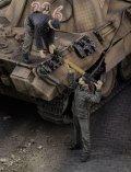 RoyalModel[RM668]1/35 独 WWII砲弾を補給するドイツ戦車兵