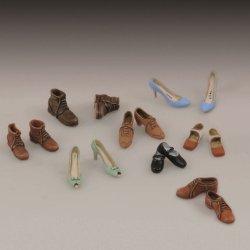 画像1: RoyalModel[RM787]1/35 ハイヒール&革靴セット