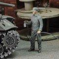 RoyalModel[RM888]1/72 WWII 米 塗装作業中の整備兵